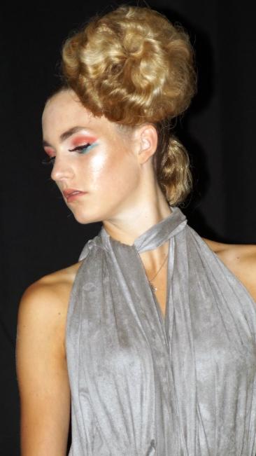 Salon Maher, Dresscode 010